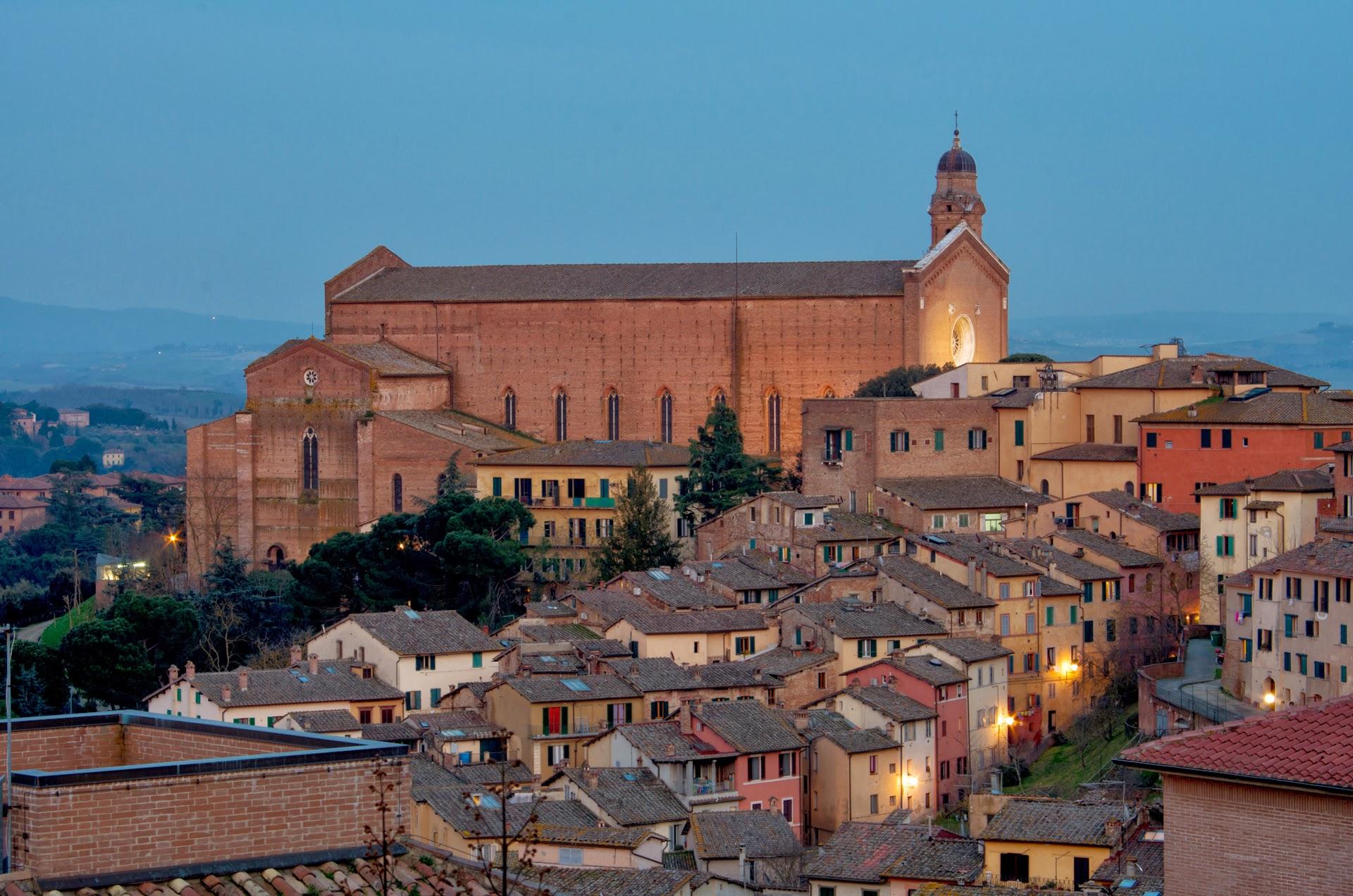 Vista dallo studio notturna (San Francesco)